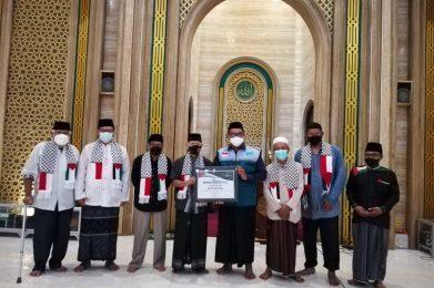 Donasi Kemanusiaan dari Masjid di Surabaya untuk Palestina